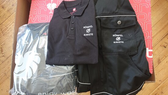 Die Kleidung für Entrümpelung